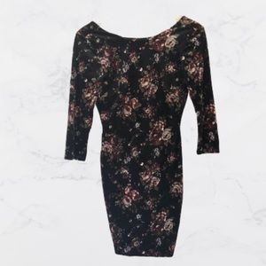 Forever 21 Cropped Sleeve Floral Bodycon Dress-s